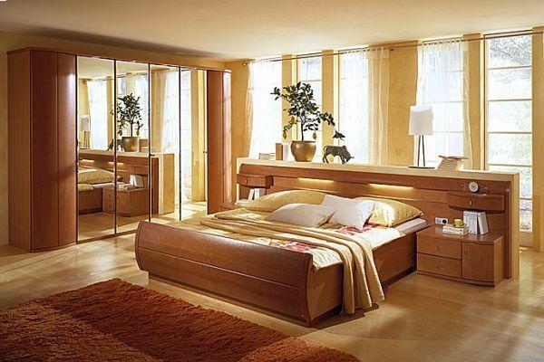 спальня, кровать деревянная
