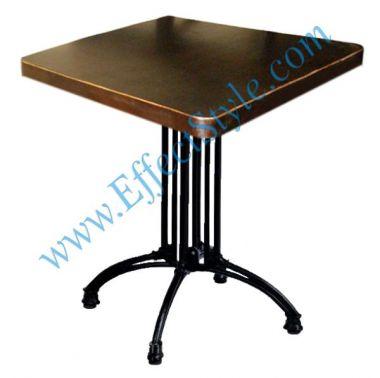 стол на металлической ножке